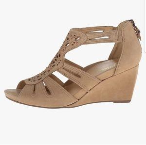 Earthies Morolo leather tan wedge sandals sz 9.5